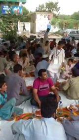 Khi: Cure Pakistan Welfare Ki Janib Say Gulshan Road Per Awaam K Liay Dastarkhwan-E-Imam Hassan A.S Ka Ehtemam.